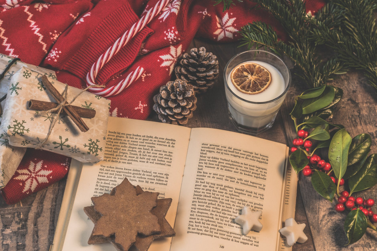 7 Tips to Boost Your Book Sales During the Holidays